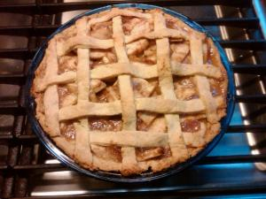 Voila!  Maybe not the best looking pie, but man is it tasty!